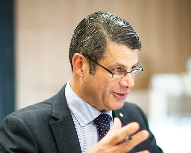 Steve Bracks talking